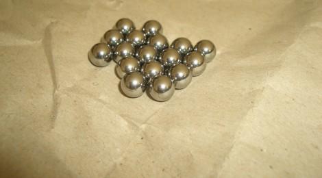 Steinschleuder-Munition: Stahlkugeln und Metallkugeln